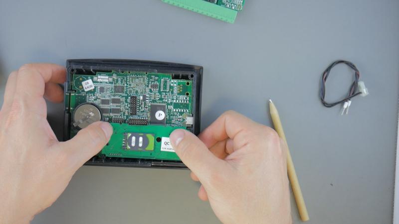 Montaż modemu V100 LTE do sterownika SAMBA